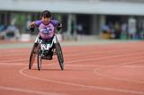 ゴールに向けて疾走する選手―2010ジャパンパラリンピック陸上競技大会
