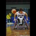 ドリブルで駆け抜ける日本代表選手―2008国際親善女子車椅子バスケットボール大阪大会
