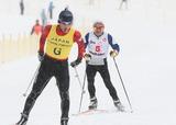 クロスカントリースキー 視覚障害者スキーヤーとガイド    写真/阿部謙一郎