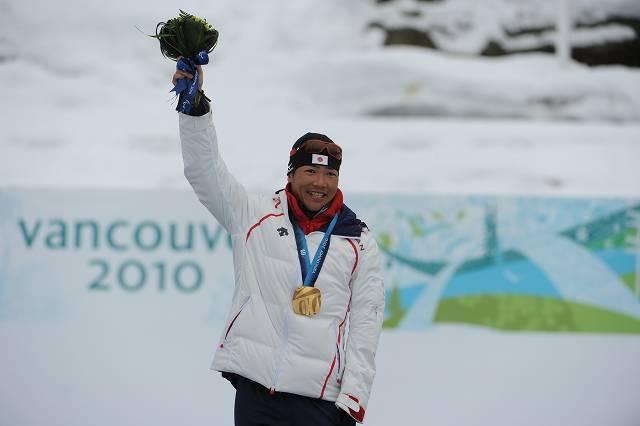 バンクーバー  1キロスプリント立位で今大会2つ目の金メダルを獲得した新田佳浩選手