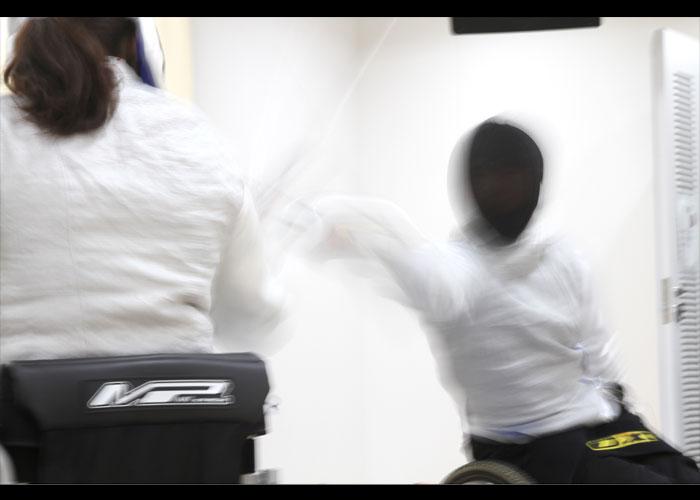 車いすフェンシング    写真/阿部謙一郎