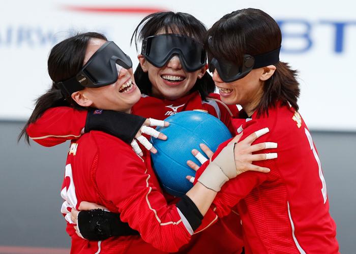 ロンドンパラリンピック ゴールボール    写真/竹見脩吾