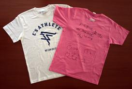写真:小宮正江選手、浦田理恵選手のサイン入りシーズアスリートオリジナルTシャツ