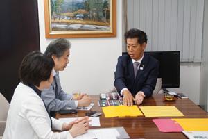 写真:左から伊藤、二宮、太田