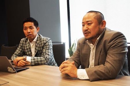 写真:花咲圭祐(左)、初瀬勇輔(右)