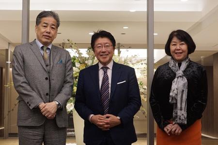 写真:左から二宮・塩嶋・伊藤