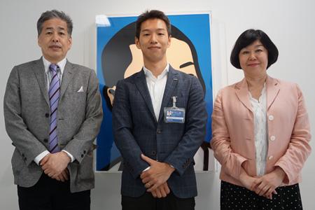 写真:左から二宮、松下、伊藤