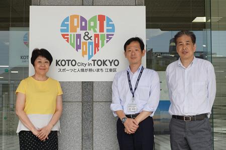 写真:左から、伊藤、鳥谷部、二宮