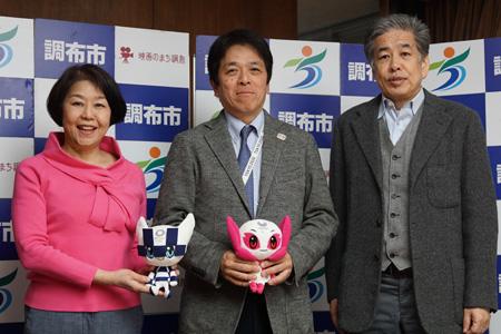写真:左から伊藤、小林、二宮