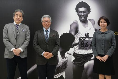 写真:左から二宮、三浦、伊藤