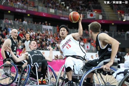 写真:ロンドン2012パラリンピック 車椅子バスケットボール男子日本代表予選リーグ・ドイツ戦 阿部謙一郎撮影