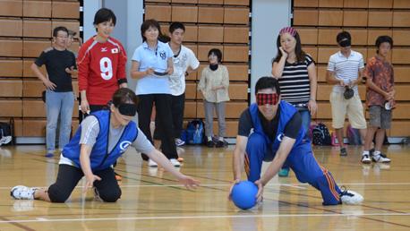 ゴールボールの体験会 子どもも大人も一生懸命!
